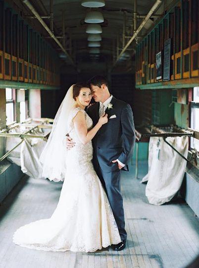Couple portrait | Photo by JOPHOTO