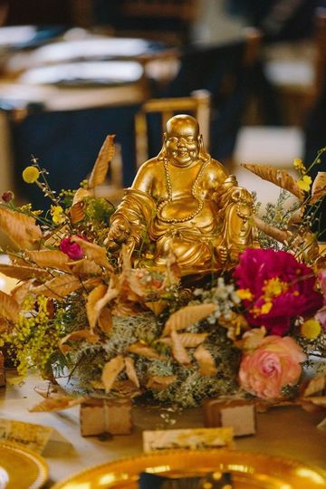 Buddha decoration | Photo by JOPHOTO Flowers by Whimsical Gatherings