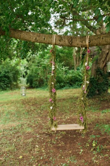 Swing in the forest | Team Wedding