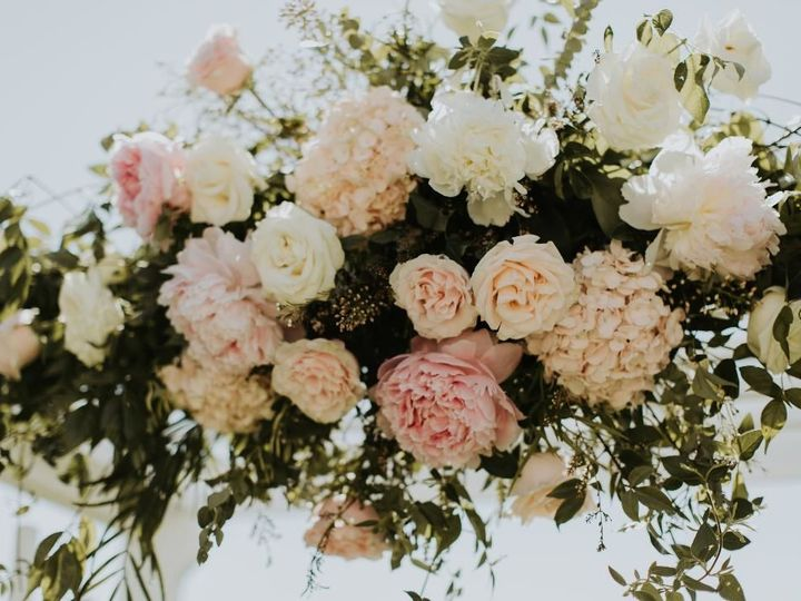 Tmx 1532706054 2bcb2530a0e89e24 1532706053 F8b5f17d31ab2cb0 1532706052142 7 Camilla Piper5 Huntington Beach, California wedding florist