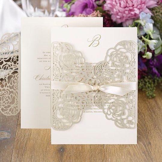 Elegant ~ like your wedding!