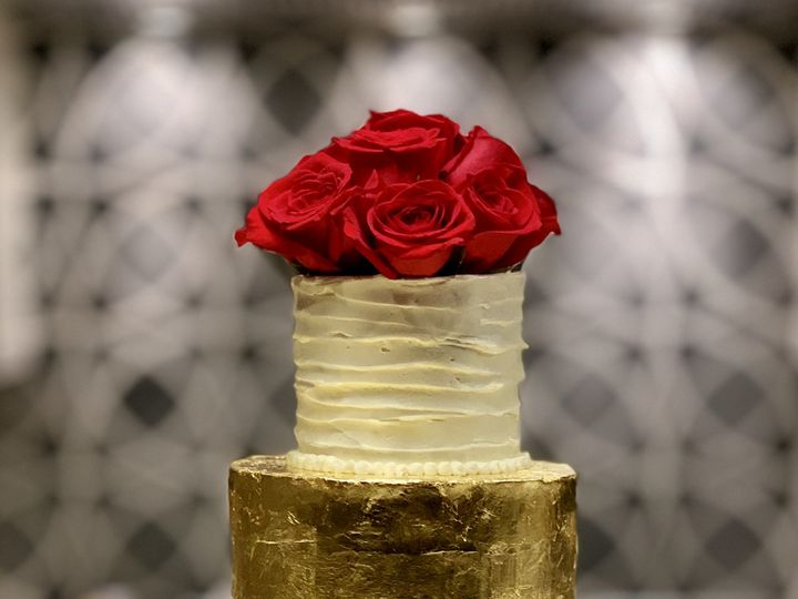 Tmx White And Gold Wedding Cake With Red Roses 51 1016496 Metuchen wedding cake