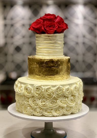 3 tier cake with gold tier