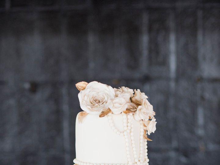 Tmx 1516727008 9b4340b2f3f4dc0b 1516727004 Ec454ba736b1353d 1516726993056 2 HTP 4245 Tulsa, Oklahoma wedding cake