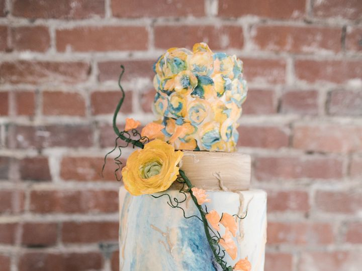 Tmx 1533231047 A1da841264ca78b0 1533231045 F06bf3a82ea9593e 1533231042704 2 918 7 Tulsa, Oklahoma wedding cake