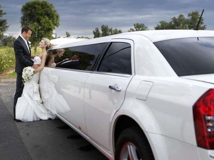 Tmx 1533738564 3dd7b3c40305a820 1533738563 B414672eab6c5f62 1533738546496 6 Lincoln Stretch Li Long Island wedding transportation