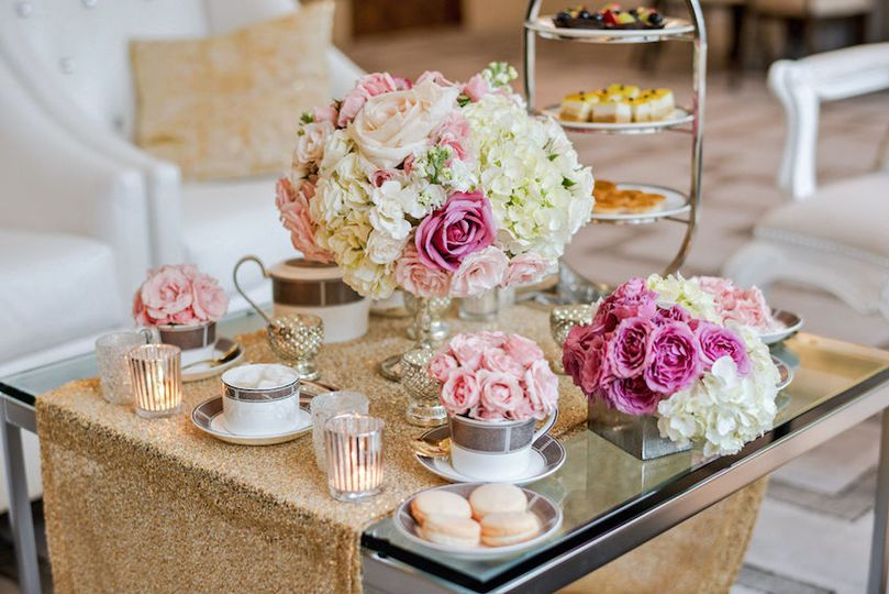 Dessert table and floral decor