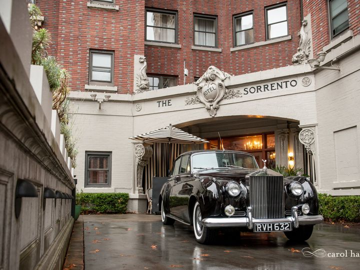 Tmx 181103 0488 Harrold 51 31596 V1 Seattle, Washington wedding transportation
