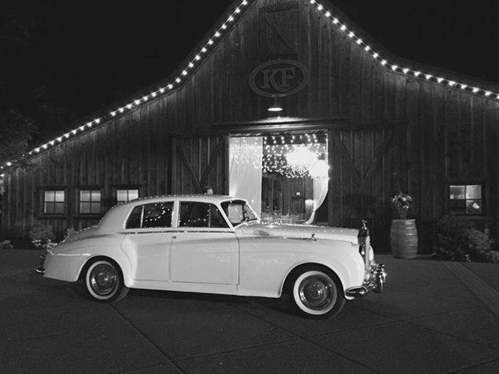 Tmx 3 51 31596 V1 Seattle, Washington wedding transportation