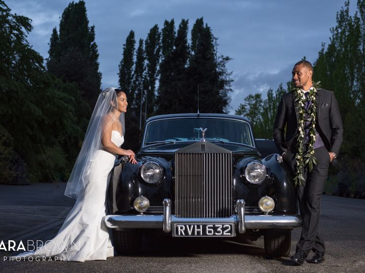 Tmx British Motor Coach Tara Brown Photography 3 51 31596 Seattle, Washington wedding transportation