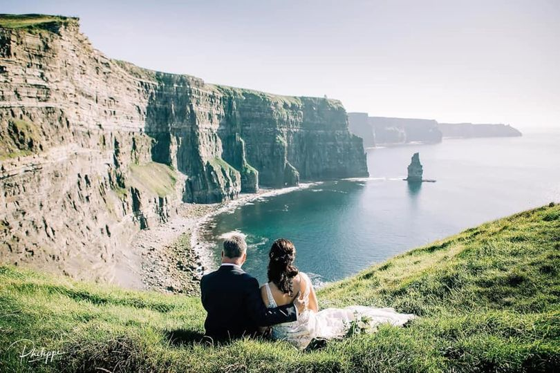 Relaxing at the Cliffs of Mohe
