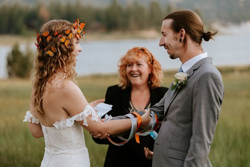 An amazing Big Bear mountain elopement with a Celtic Handfasting unity ceremony.
