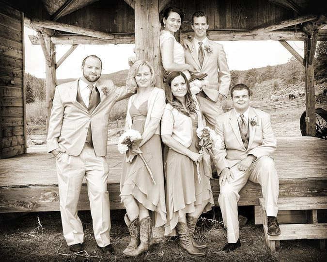 The wedding party portrait - JLVphotography