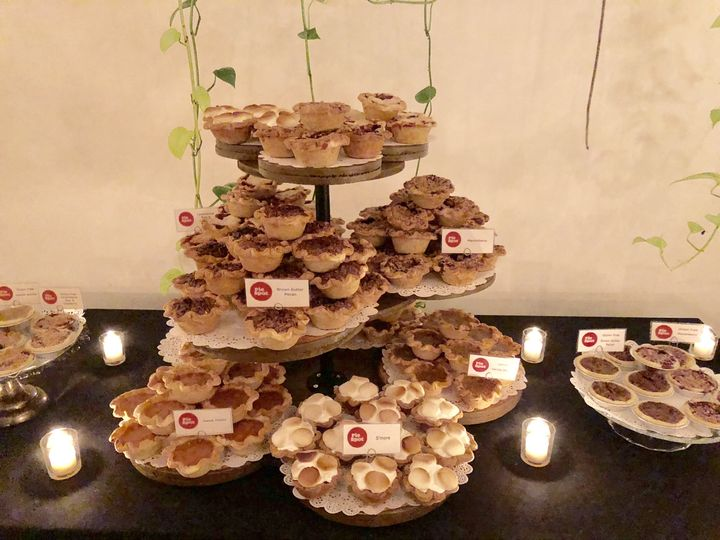 Tmx Fullsizeoutput 395 51 710696 V1 Portland, OR wedding cake