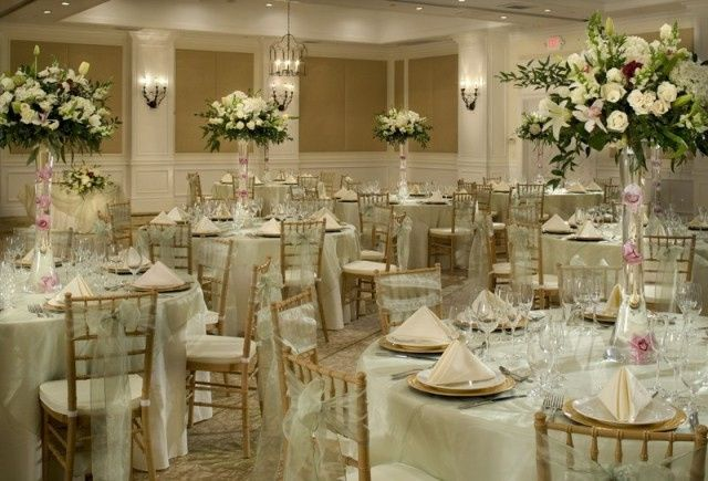 800x800 1426787395127 ballroom wedding dinner 2