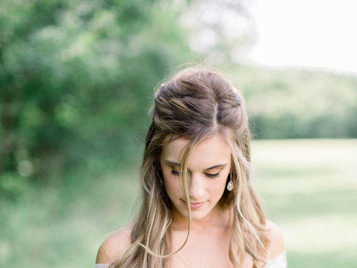 Tmx 02 4g0a0792 51 1014696 1567730278 Windsor Heights, IA wedding florist