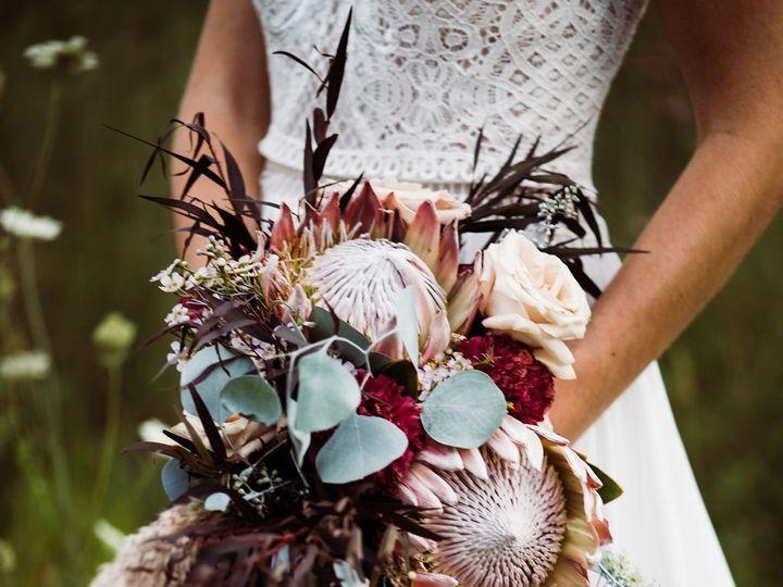 Tmx Dsc 6880 51 1014696 1570674412 Windsor Heights, IA wedding florist