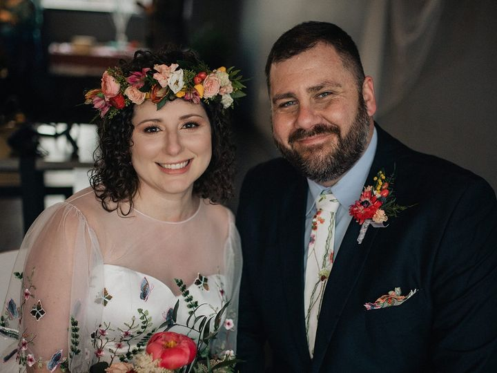 Tmx Img 6472 51 1014696 161732260721647 Windsor Heights, IA wedding florist