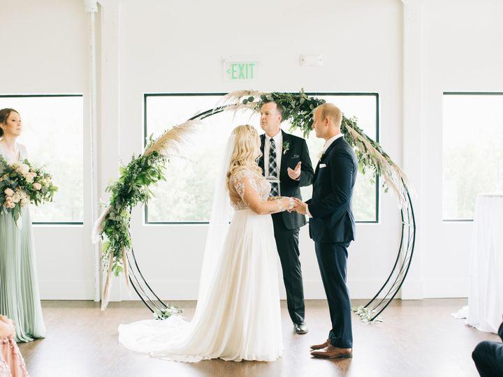 Tmx Jakesteph 805 51 1014696 1570674670 Windsor Heights, IA wedding florist