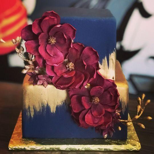 2-tiered block cake