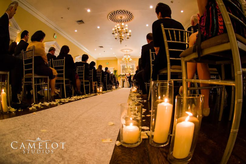 Candle lights for the wedding aisle