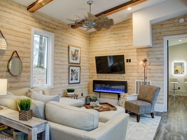 Tmx Southwind Ranch Bridal Suite 002 51 1000796 1572378697 Travelers Rest, South Carolina wedding venue