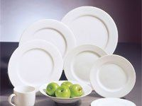 We have plateware and flatware for rent.