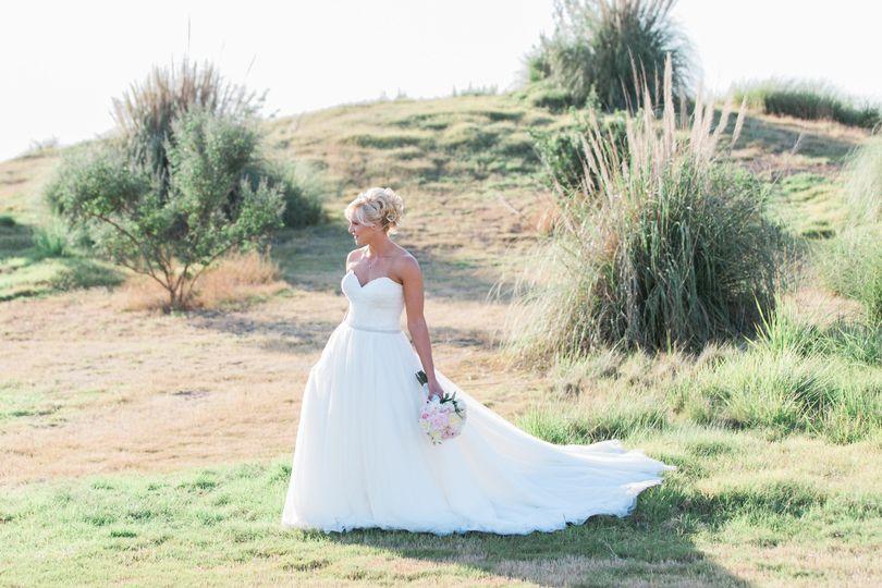 The bride   Lauren Alisse Photography