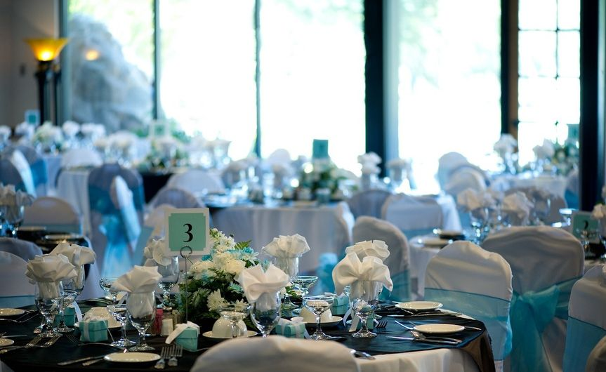 Blue & White Table Setting at Max Catering, Lancaster, Palmdale, Antelope Valley, CA