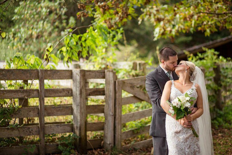 3f83471c2c4f1afe 1515368232 92c3c4760e890195 1515368233951 11 seattle wedding p