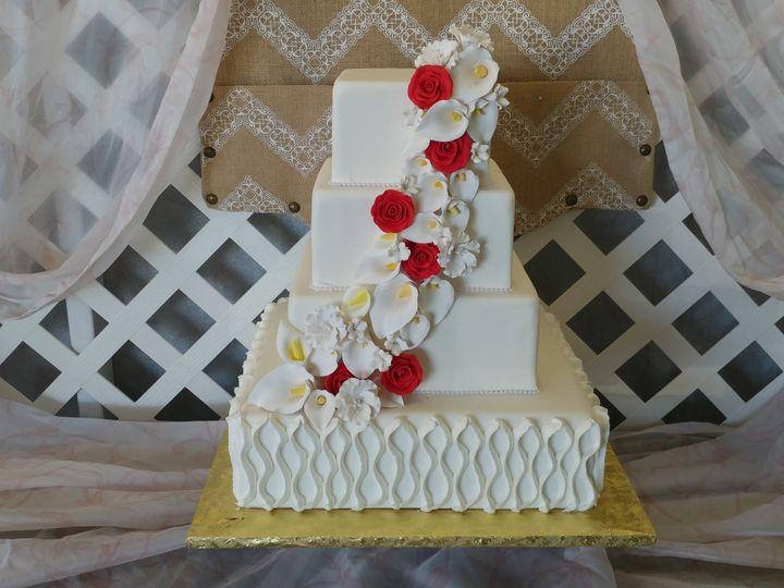 Tmx 1518356180 F9b624dc46698e60 1518356174 1d78840cbff192fd 1518356166211 4 20180125 104257 Poughkeepsie, New York wedding cake
