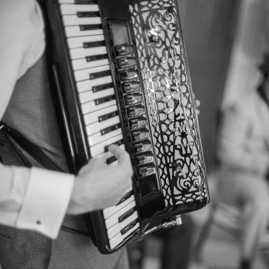 wedding jazz band 007 accordioncrop sm