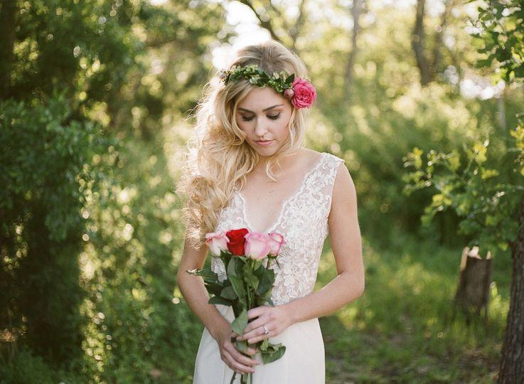 74de9d43d2e86493 1461009704564 elaine marie bridal averine with logo