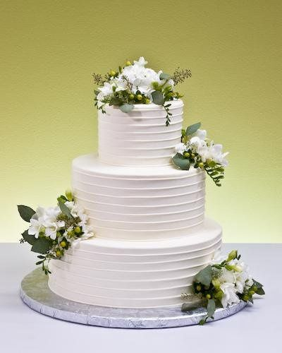 Tmx 1234157354781  MG 6225 5 Suncook wedding cake