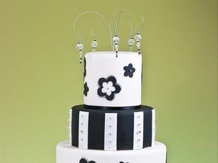 Tmx 1234157356719  MG 6664 Suncook wedding cake