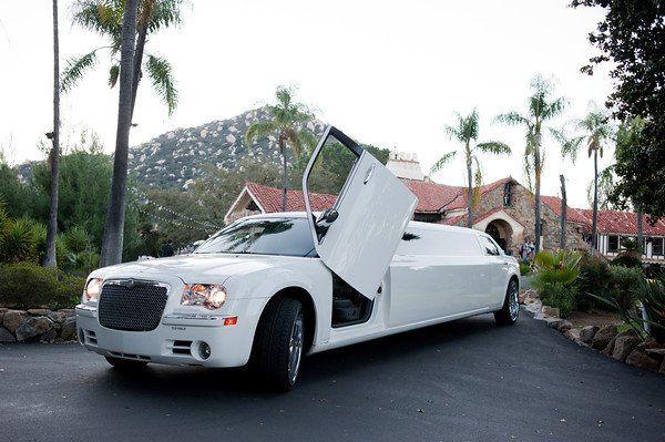 White Chrysler 300C