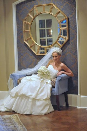 Bridal portrait before ceremony at Druid Hill Golf Club