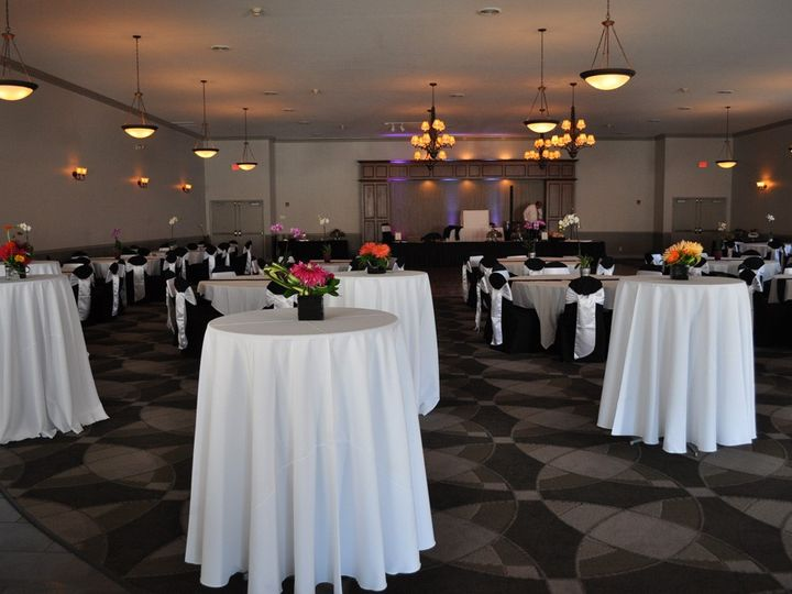 Tmx Dsc 0374 51 413996 1561257732 Avon Lake, OH wedding venue