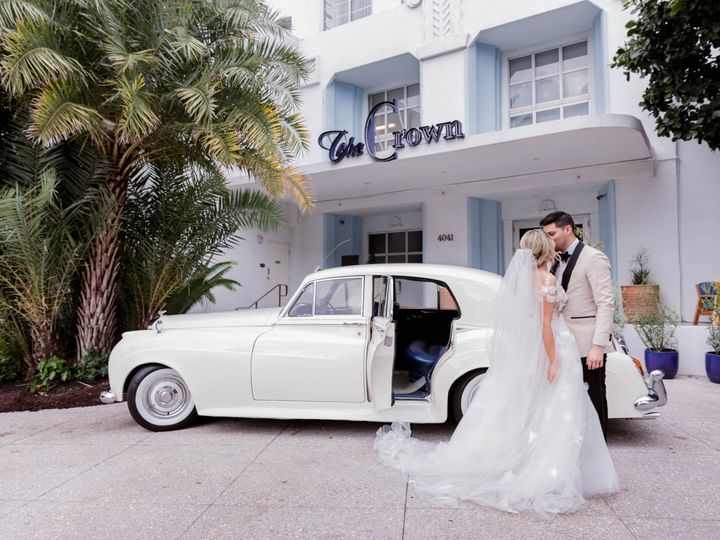 Tmx The Confidante Miami Beach Chloe Steven Couple Crown Driveway 51 933996 V2 Miami Beach, Florida wedding venue
