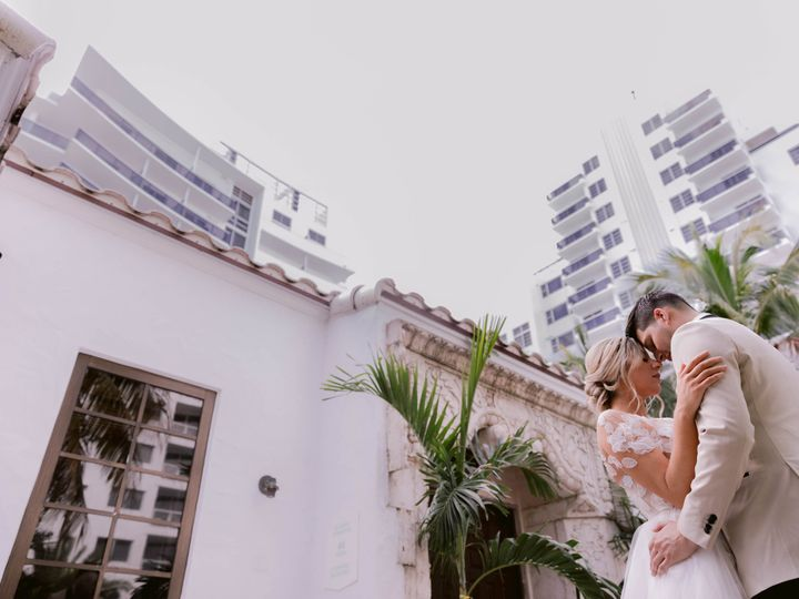 Tmx The Confidante Miami Beach Chloe Steven Couple Embracing Low Angle 51 933996 V2 Miami Beach, Florida wedding venue