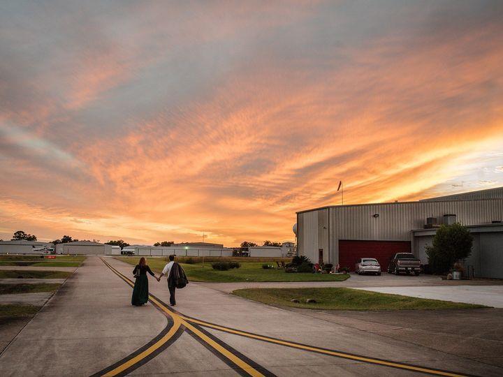 Tmx Sunsetplane 51 920007 1567622615 Houston, TX wedding photography