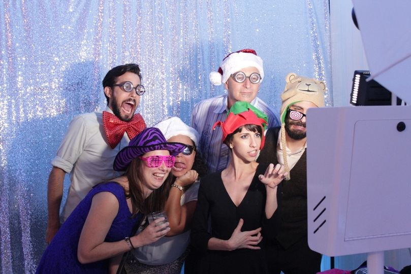 big group at photo booth