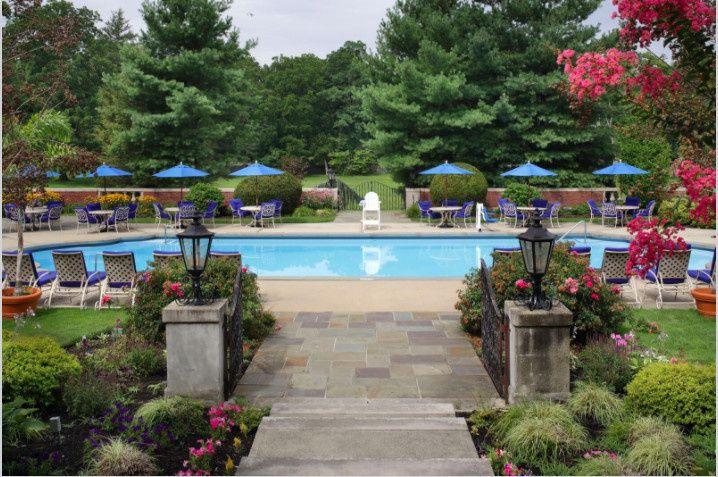 Glen Cove Mansion Pool