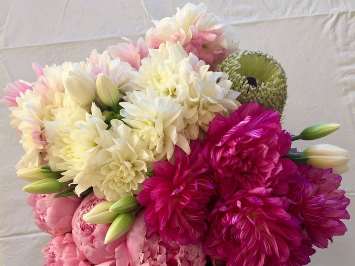 Tmx Img 9022 51 1953007 158459871456358 Chatsworth, CA wedding florist