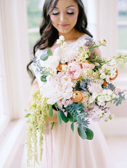 Soft and sweet bridal bouquet