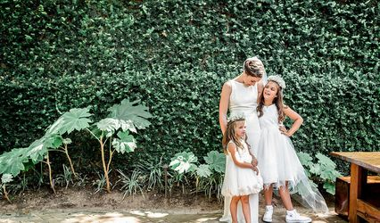Twin Lens Weddings