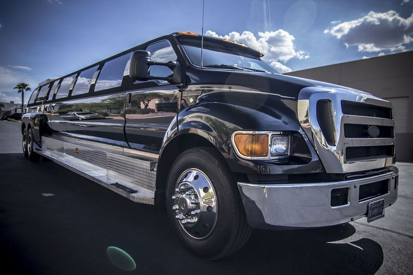 Mammoth limo