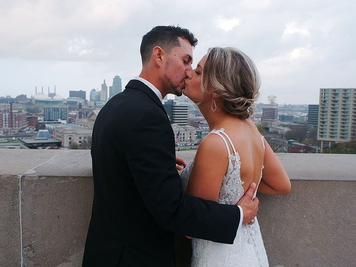 Tmx 2020 11 18 0002 51 1050107 160572425885383 Lenexa, KS wedding videography