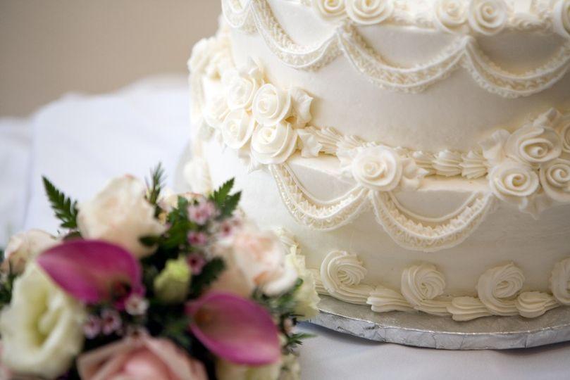 White cake details