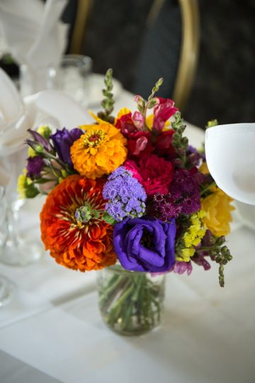 Centerpiece bursting with color